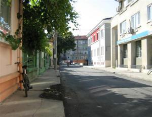 """Улица """"Стефан Караджа"""" в центъра на Силистра: едни 23 000 лева отидоха на вятъра"""