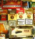 """Машинките за цигари, тютюнът и """"гилзите"""" за свиване се продавали като топъл хляб, забелязали продавачите в Силистра"""